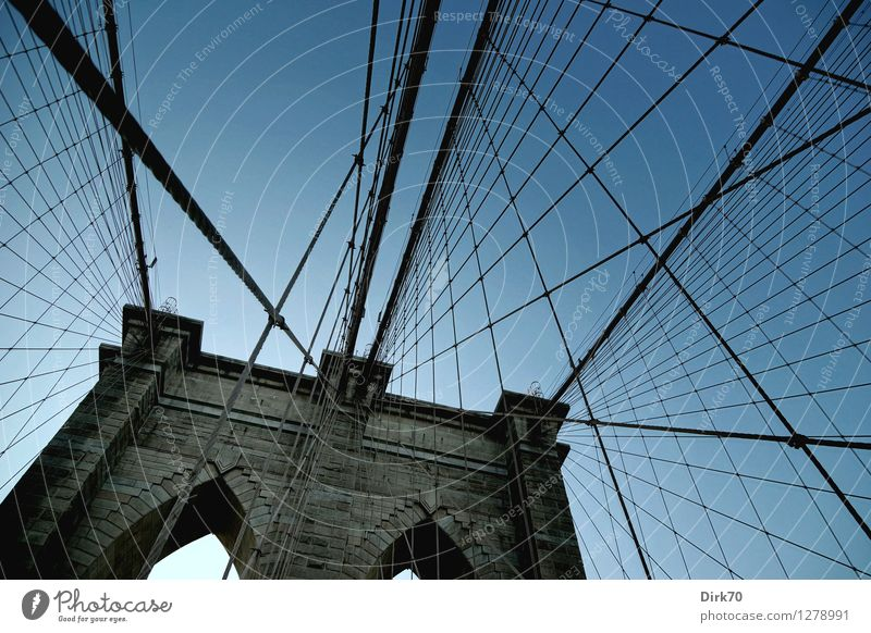 City Old Summer Far-off places Dark Cold Stone Line Metal Esthetic Threat Bridge Beautiful weather Cool (slang) Manmade structures Net