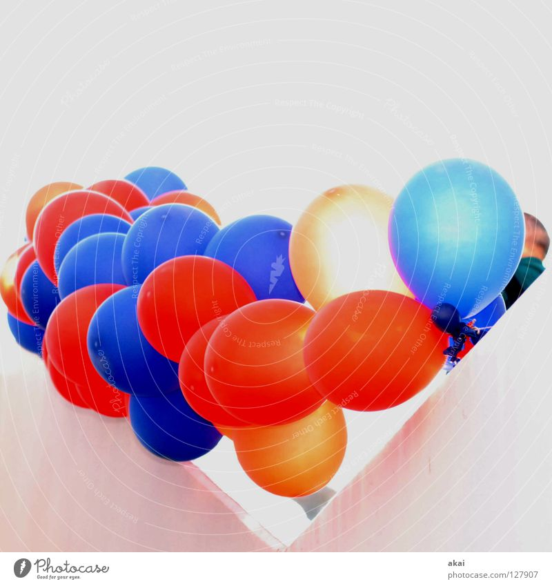 Balloons over Freiburg 2 Art Arts and crafts  Joy Exhibition Trade fair balloons red blue usertreff Freiburg im Breisgau karlsplatz froggy bit.it shipwright