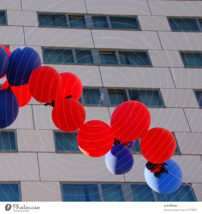 Balloons over Freiburg 3 Round Party Cyan Red Light blue High-rise Leisure and hobbies Freiburg im Breisgau Sphere user meeting photocase Feasts & Celebrations