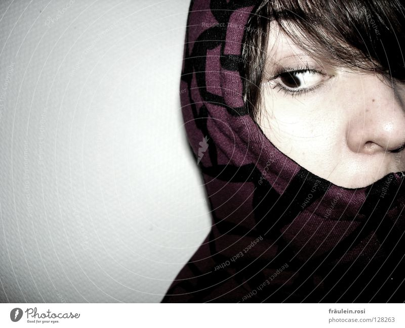 Fear of the unknown? Curiosity Timidity Ambiguous Calm Looking Tear open Tip of the nose Panic Think Emotions Agitated glub Shadow hoodie Pallid Face
