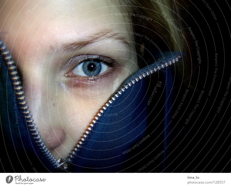 zip II Zipper Jacket Eyelash Open Discover Find Eyebrow Pallid Near Extract Undo Amazed Surprise Emotions Woman Communicate Eyes Blue Human being Looking Hide