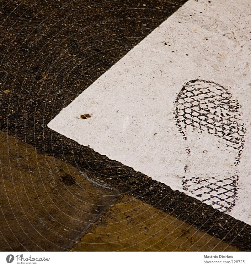 identity Barcelona Footwear Footprint Data storage Fingerprint Precuation Silhouette Identity Surveillance Traverse Accumulate National security Pursue