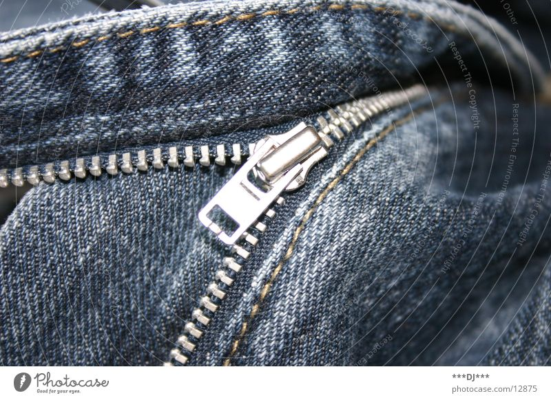 Close it! Zipper Pants Undo Things Jeans