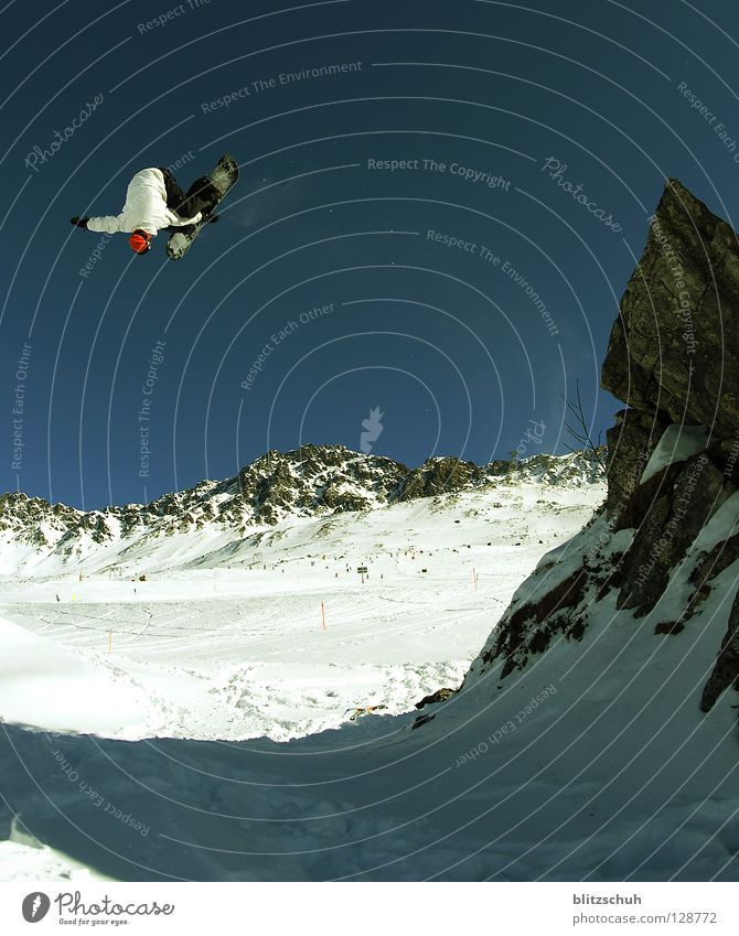 Winter Mountain Sports Playing Flying Jump Crazy Dangerous Tall Risk Cloudless sky Rotate Ski resort Blue sky Snowboard