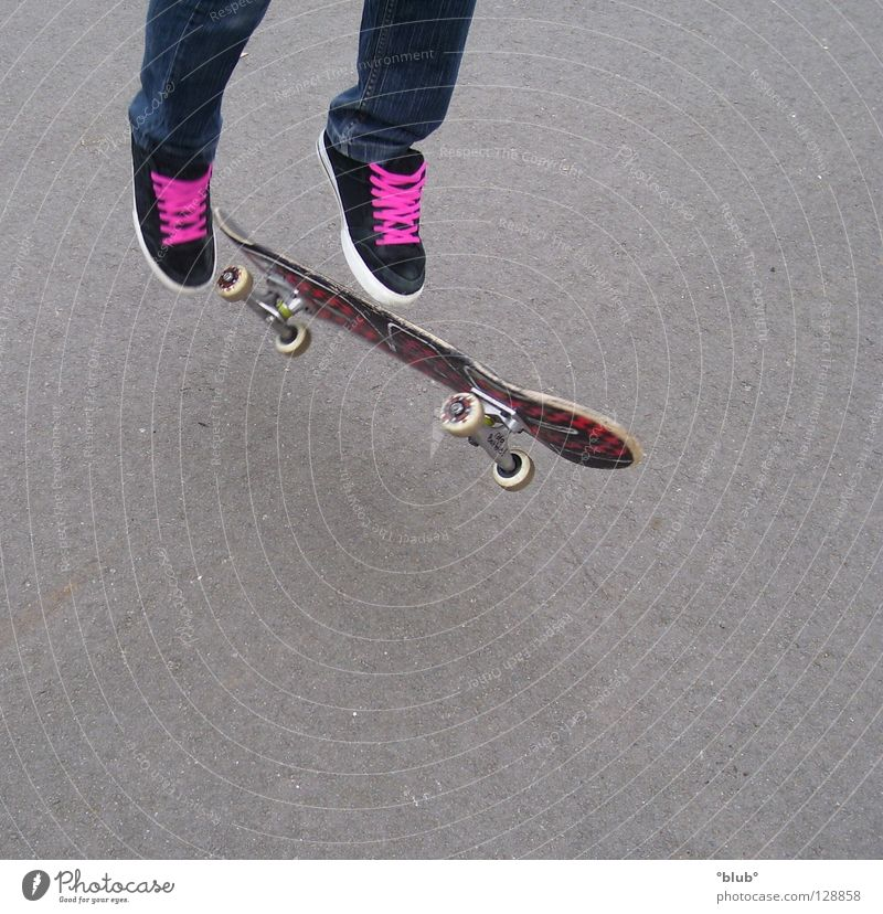Youth (Young adults) Joy Gray Footwear Legs Pink Flying Leisure and hobbies Asphalt Skateboarding Shoelace