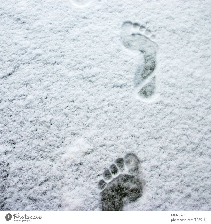 White Winter Loneliness Cold Snow Footwear Walking Hiking Poverty Tracks 5 Footprint Freeze Toes Barefoot In transit