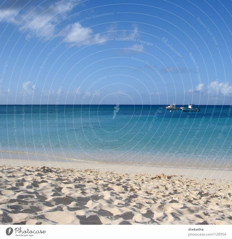 Water Sky Ocean Blue Summer Beach Vacation & Travel Calm Clouds Far-off places Relaxation Sand Watercraft 2 Weather Horizon