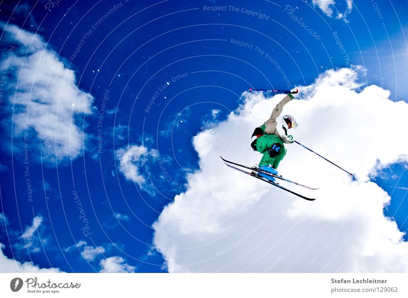 Beautiful Sun Clouds Joy Winter Mountain Background picture Freedom Flying Jump Leisure and hobbies Crazy Tall Large Shows Alps