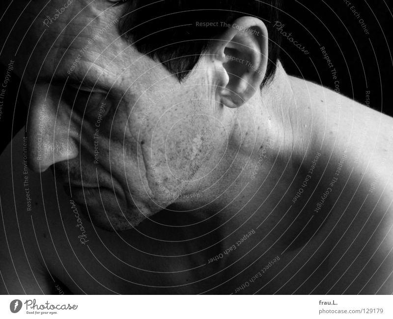 profile Man Nape Naked Light portrait Nerviness Shoulder 50 plus Human being Senior citizen Wrinkles Shoulder Ear Skin Stopper Stubble Shadow Face Fatigue Neck