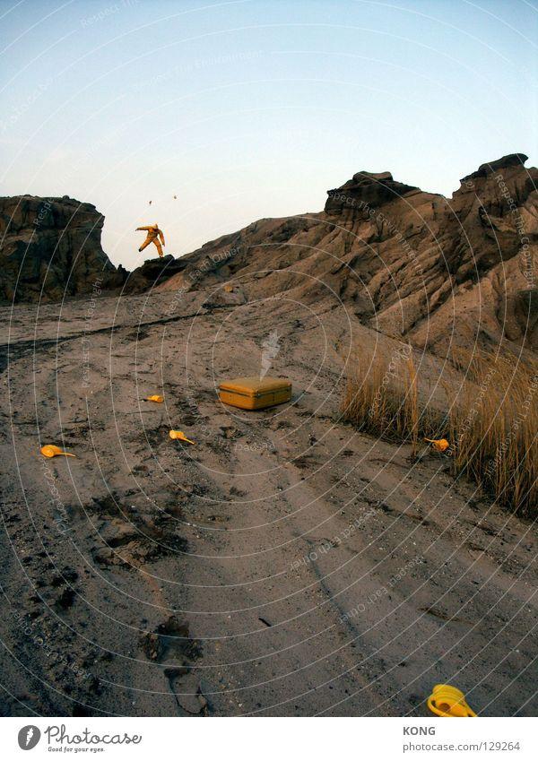 Joy Yellow Mountain Gray Jump Earth Flying Walking Running Speed Aviation Gloomy Wing Desert Mask Anger