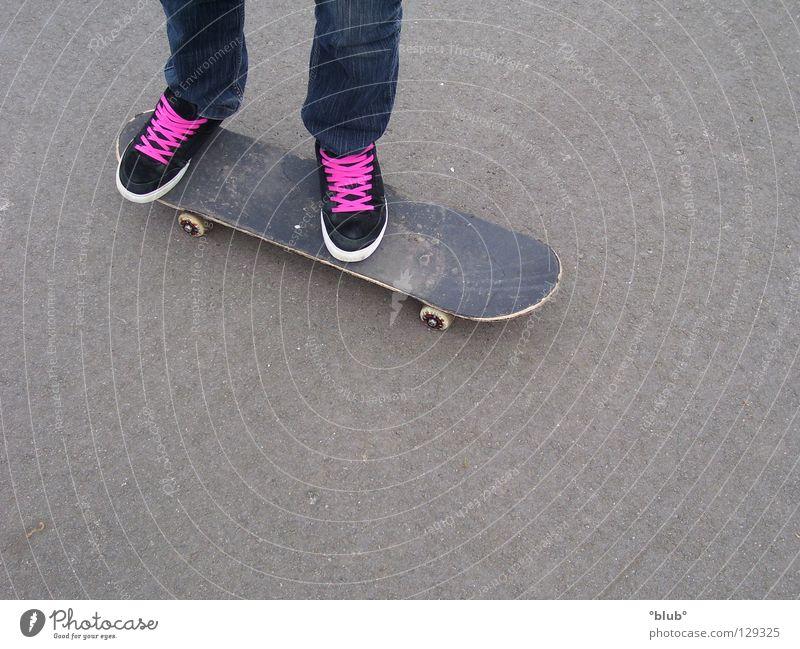 Black Gray Footwear Pink Leisure and hobbies Asphalt Skateboarding