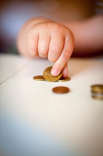 hand II Money Save Parenting Toddler Hand Fingers 1 - 3 years Work and employment Playing Coin Numbers Study Education Responsibility Thrifty Calculation Euro