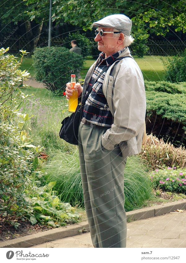 Man Old Grandfather Sunglasses Grandparents Resolve Single-minded