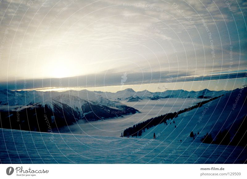 Winter Clouds Mountain Lighting Switzerland Valley Ski run Bernese Oberland Grindelwald Above the clouds