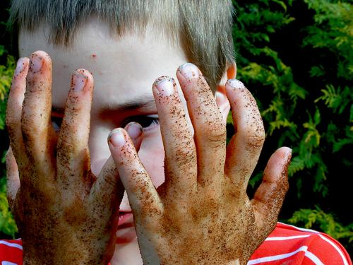 Clean was yesterday Hand Mole Gardener Meadow Grass Litterbug Fingers Child Gardening Playing Leisure and hobbies Boy (child) Portrait photograph Soap Dig