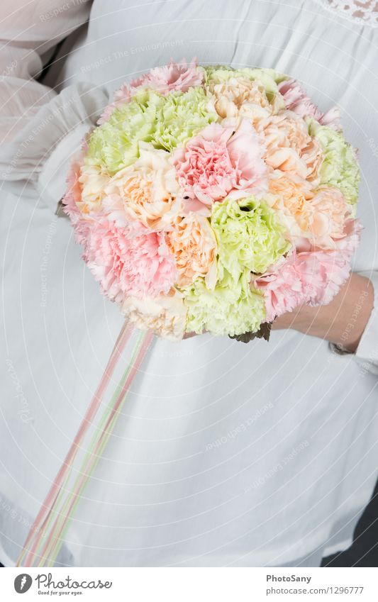 sweetyweddingbouquet Feminine 1 Human being Flower Blossom Bright Beautiful Multicoloured Green Orange Pink White Elegant Colour Bouquet Blouse Colour photo