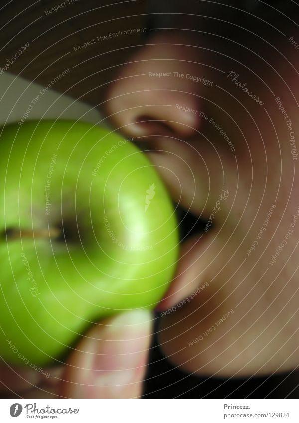 Green apple Gourmet Fruit Apple Nutrition To enjoy Fragrance Princess Eating