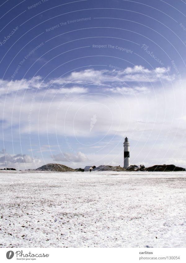 Sky White Ocean Blue Red Beach Far-off places Lamp Snow Freedom Sand Air Watercraft Coast Wind Tall