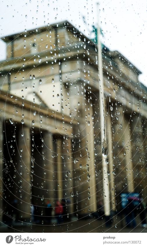Sightseeing - I Brandenburg Gate Attraction Landmark Bad weather Rain Driving Drizzle Damp Cold Wet Berlin Sky Beautiful Capital city Drops of water Trip