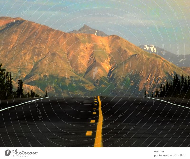 straight ahead Center line Black Yellow Americas Alaska Transport Vacation & Travel Empty Horizon Asphalt Driving Traffic infrastructure USA Street Line