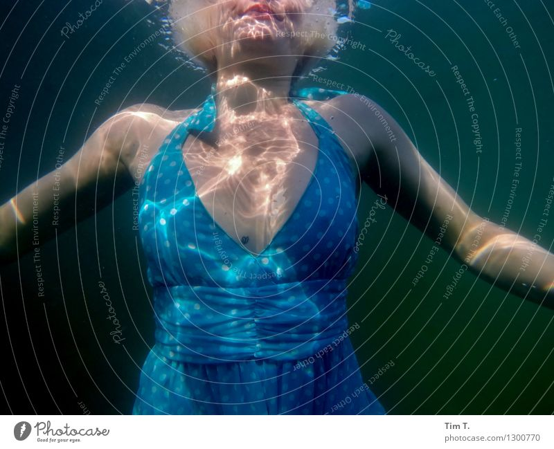 Element Water Human being Young woman Youth (Young adults) Chest 1 18 - 30 years Adults Environment Lake Wellness Girl Dress Underwater photo Colour photo