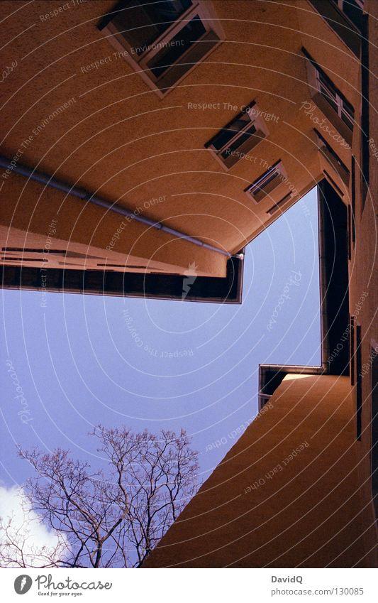 Sky Blue Yellow Window Line Flat (apartment) Facade Tall Corner Living or residing Roof Part Farm Story Upward Geometry