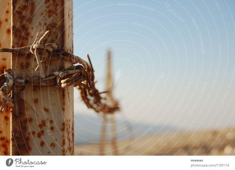 Metal Desert Asia Rust Narrow Captured Wire Barbed wire Jordan