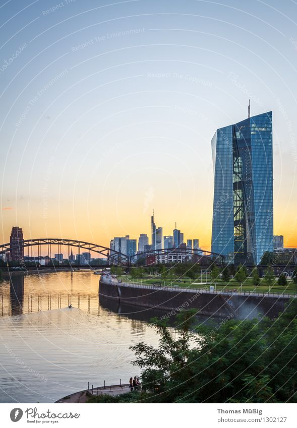 European Central Bank, Frankfurt Town Downtown High-rise Financial Industry banks Railway bridge wholesale market hall Main easterly Sunset Colour photo