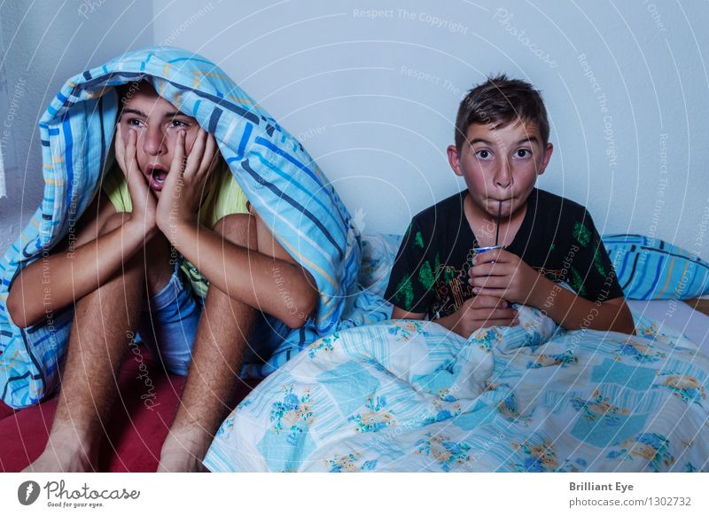 horror scenarios Room Bedroom Masculine Child 2 Human being Television Watching TV Film industry Video Looking Sleep Creepy Cliche Emotions Moody Safety