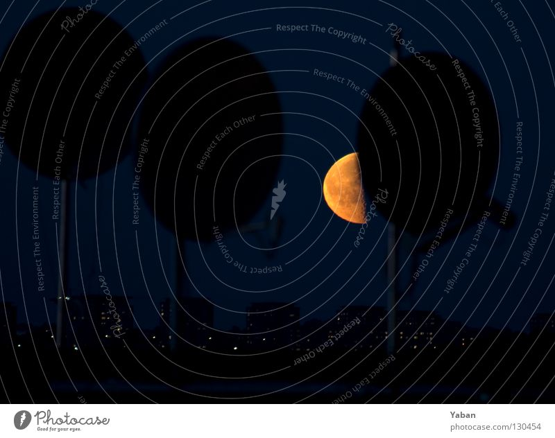 Dark Telecommunications Harbour Bowl Moon Sweden Celestial bodies and the universe Astronomy Satellite Stockholm Satellite dish Astrology Moonstruck Half moon