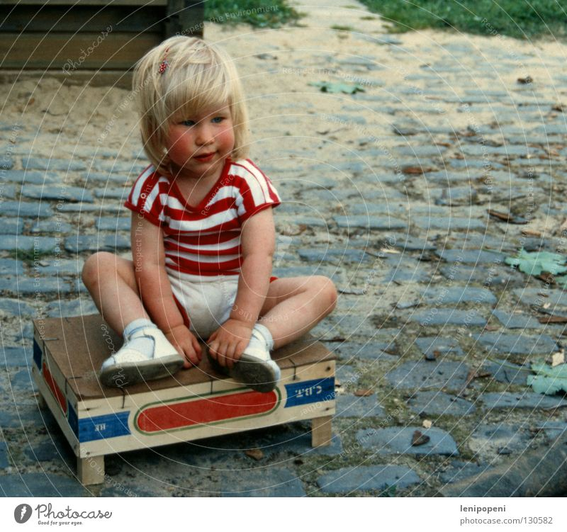Play with me! Summer Child Toddler Girl Sand Warmth T-shirt Blonde Old Sit Sadness Small Cute Sweet Boredom Grief Loneliness Defiant Crate Wooden box Sandpit