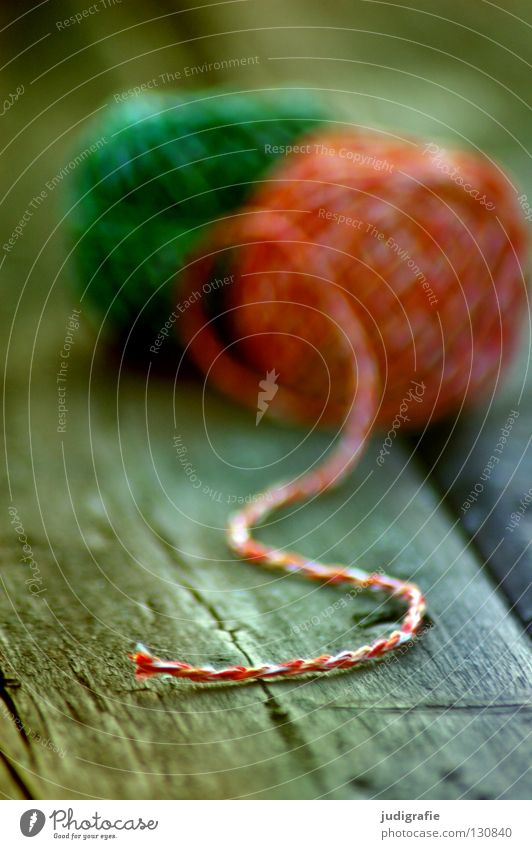 Green| Red String Wool Knot Handbook Table Wood Wooden board Craft (trade) Material Textiles Blur Household Colour Lie Structures and shapes Handcrafts End