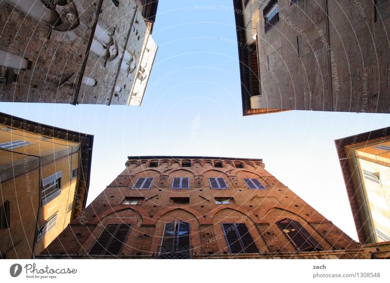 Sky City Blue Summer House (Residential Structure) Window Wall (building) Architecture Building Wall (barrier) Line Facade Living or residing Places Italy Beautiful weather