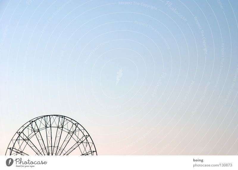 Vacation & Travel Movement Leisure and hobbies Tall Trip Beautiful weather Rotate Fairs & Carnivals Construction Oktoberfest Dismantling Ferris wheel Funsport