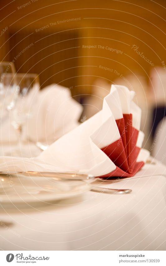 festive Table Set meal Reserved Jubilee Plate Fork Spoon Festive Buffet Napkin White Red Style Side Nutrition Meal Restaurant Hall Decoration Gastronomy