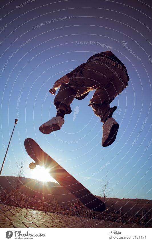 Above the sun Jump Back-light Funsport Skateboarding Sun silhoutte Wheel Shadow