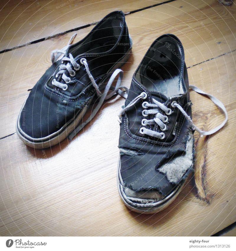 Old Lifestyle Feet Footwear Walking Poverty Uniqueness Hip & trendy Stress Luxury Footprint Fight Sneakers Hideous Reliability Nerdy