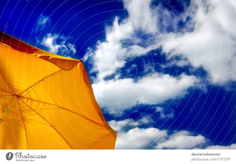 Sky Blue White Beautiful Vacation & Travel Summer Clouds Colour Yellow Warmth Orange Weather Background picture Leisure and hobbies Perspective Break