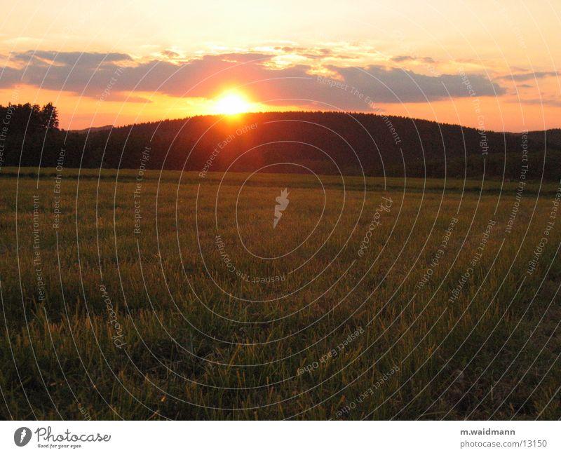 Sun Clouds Meadow Grass Mountain Field Dusk