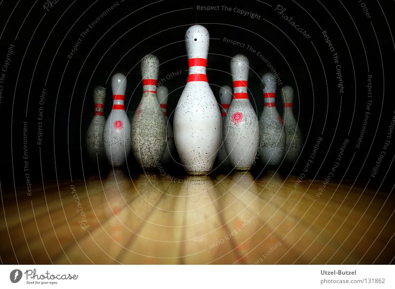 bowling pins Dark Dirty Bowling Nine-pin bowling Sports Joy Macro (Extreme close-up) Close-up Conical strike reflection