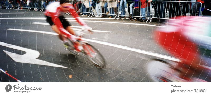Follow me Street Sports Movement Couple Bicycle Large Speed Asphalt Arrow Border Evil Dynamics Audience Panorama (Format) Effort Sporting event
