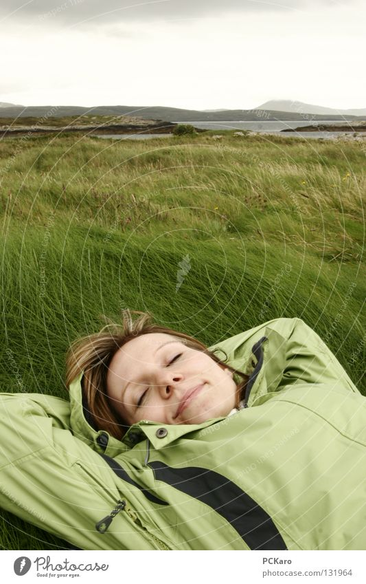 Woman Nature Ocean Green Clouds Cold Grass Dream Wind Sleep Soft Hill To enjoy Ireland Raincloud