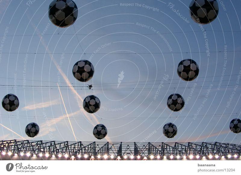 football sky Sports endgame Atmosphere ...