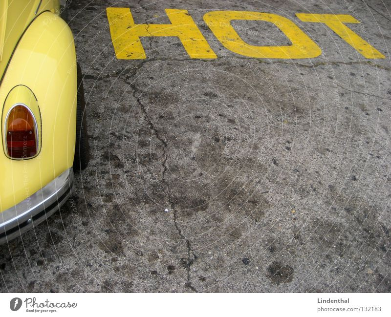 HOT CAR-STYLE Motor vehicle Yellow Hot Style Transport Beetle Car Street Characters Spoon bait