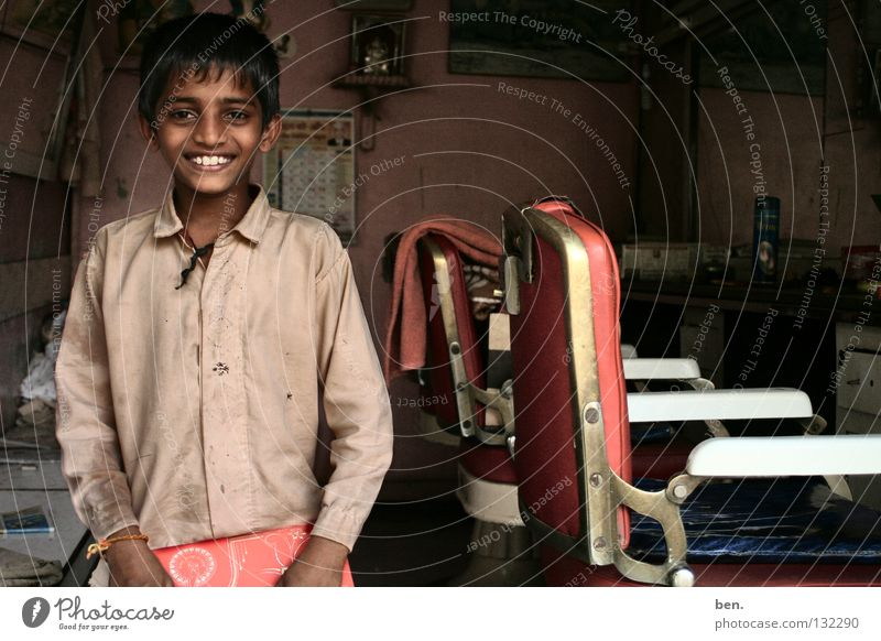 Child Man Boy (child) Laughter Asia Growth Hairdresser India Grinning Magazine Education Innocent