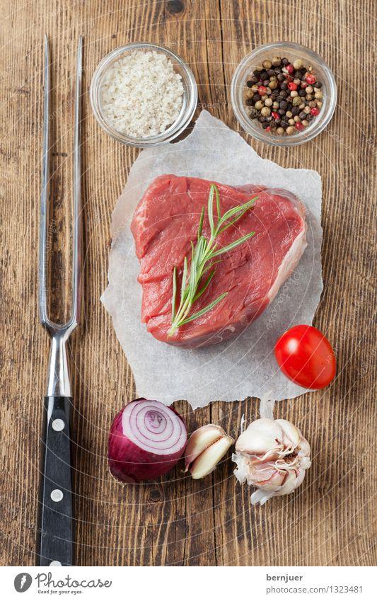 preparation Food Meat Vegetable Herbs and spices Organic produce Slow food Fork Healthy Good Brown Red loin of beef Beef Steak beef steak Raw Salt Pepper Onion