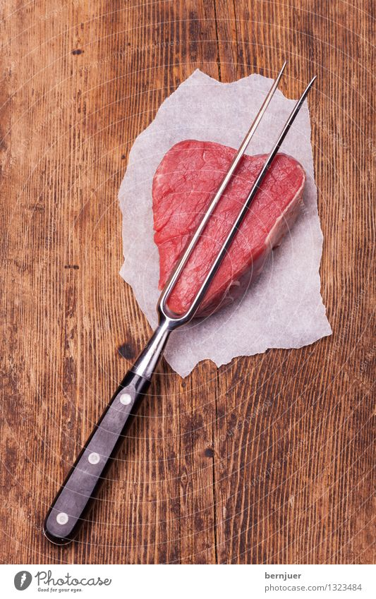 Meat Love Food Fork Good Honest Steak beef steak Carving fork Raw Wood Rustic Portion Beef Loin loin of beef Filet mignon Cooking Food photograph Paper prongs