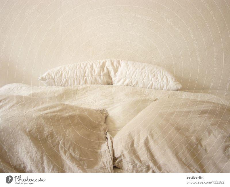 Calm Sleep In pairs Break Bed Furniture Harmonious Cushion Bedroom Duvet Wallpaper Siesta Erfurt Ingrain wallpaper Pillow