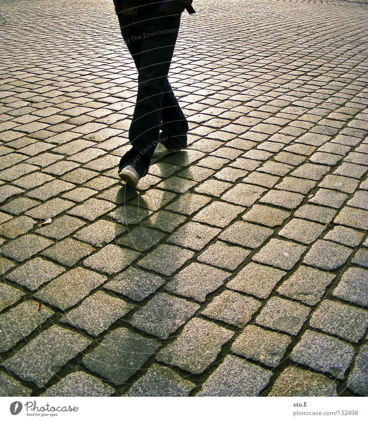 X Pave Diagonal Parallel Seam Vanishing point Man Fellow Posture Reflection Shadow Darken Geometry Back-light Abdomen Footwear Turnaround Rotate Hand Fingers