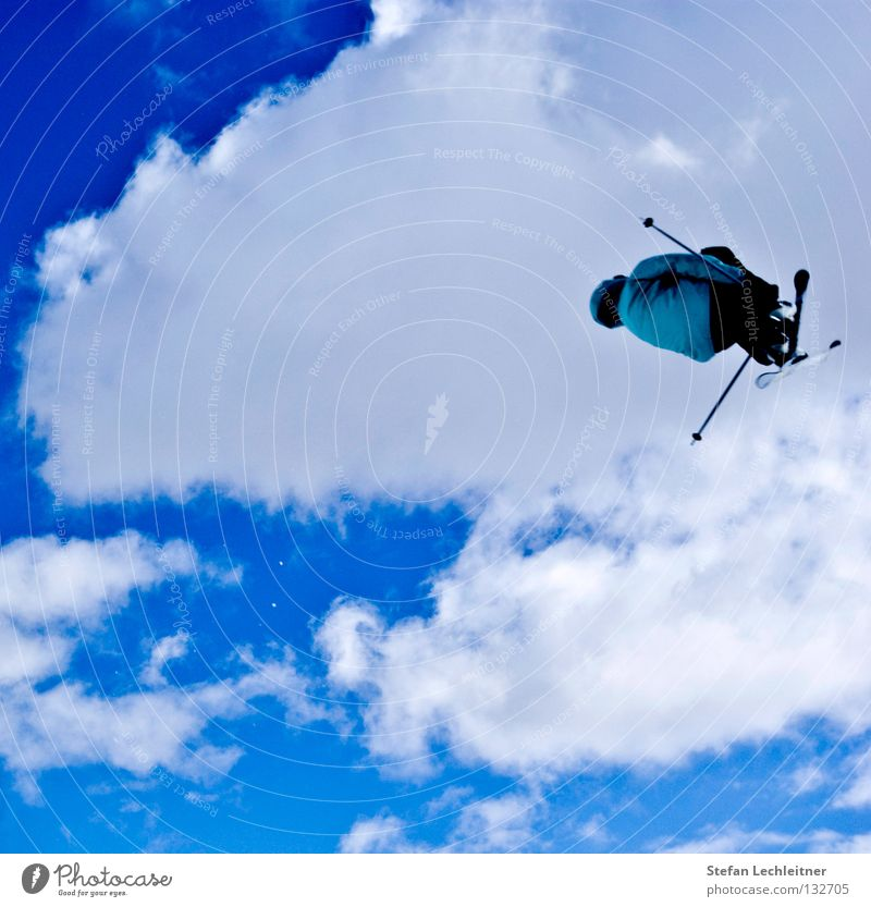 Beautiful Clouds Joy Winter Background picture Freedom Flying Jump Leisure and hobbies Large Tall Shows Risk Skiing Brave Skis